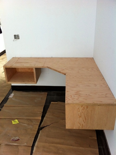 floating desk woodworking plans